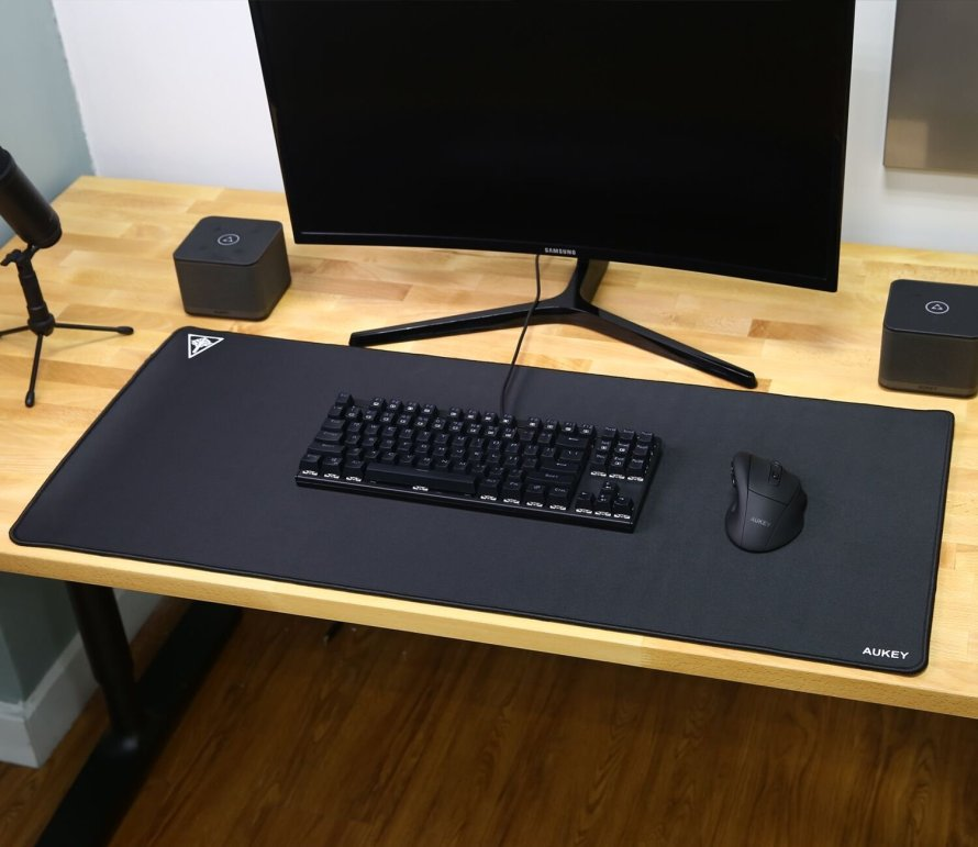 AUKEY Gaming Mouse Pad XXL Large Size (900x400x4mm) Extended Mouse Mat.jpg