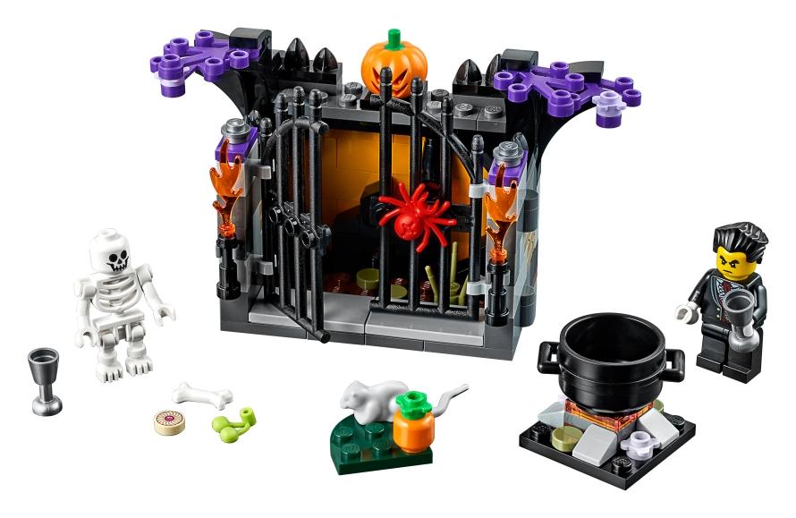 LEGO Seasonal Halloween Haunt 40260.jpeg